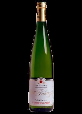 Bouteille de Chasselas, vin blanc sec d'Alsace.
